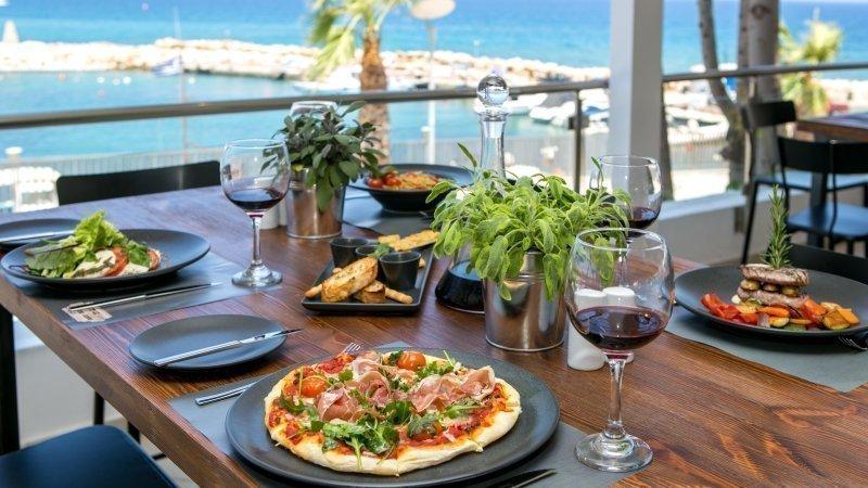 Mamma Leone Trattoria Italiana - Golden Coast Beach Hotel